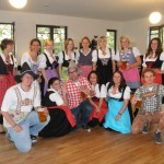 Alle in Tracht